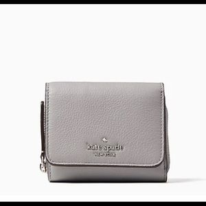 Kate spade Small l -Zip Bifold Wallet in Grey